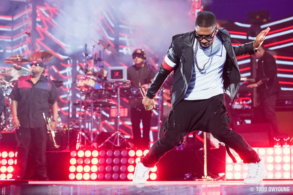 Usher performing at the iHeartRadio Music Festival in Las Vegas, Nevada on Sepembter 20, 2014. (Todd Owyoung)