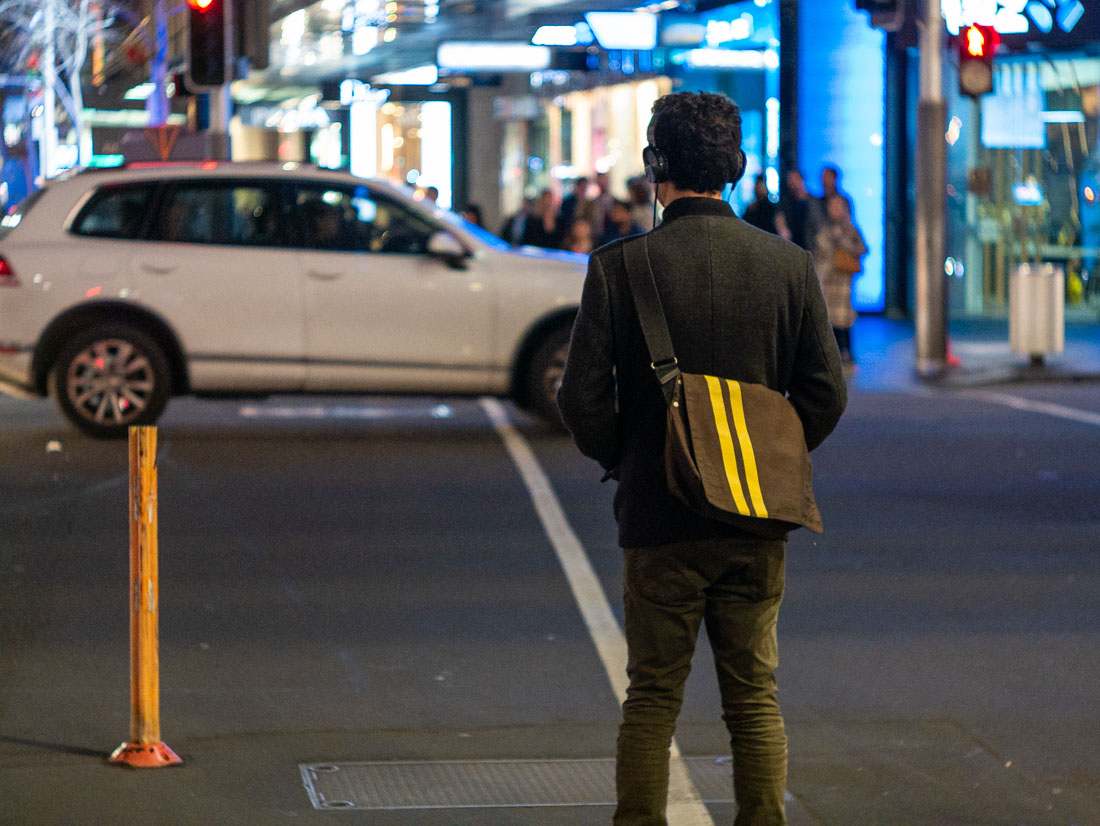 Waiting to cross | Panasonic GX7 | Leica 50mm f/1.8 LTM | ISO 3200