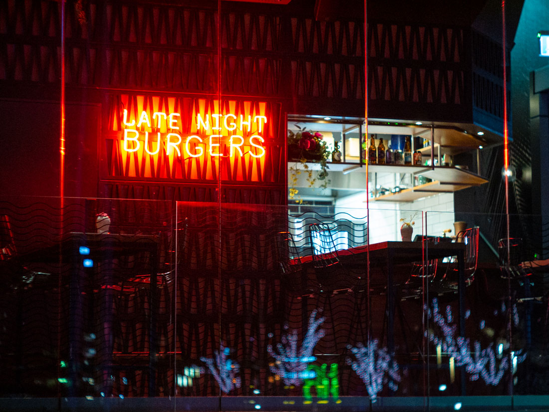 Late night burgers | Panasonic GX7 | Canon 50mm f/1.8 LTM | ISO 3200