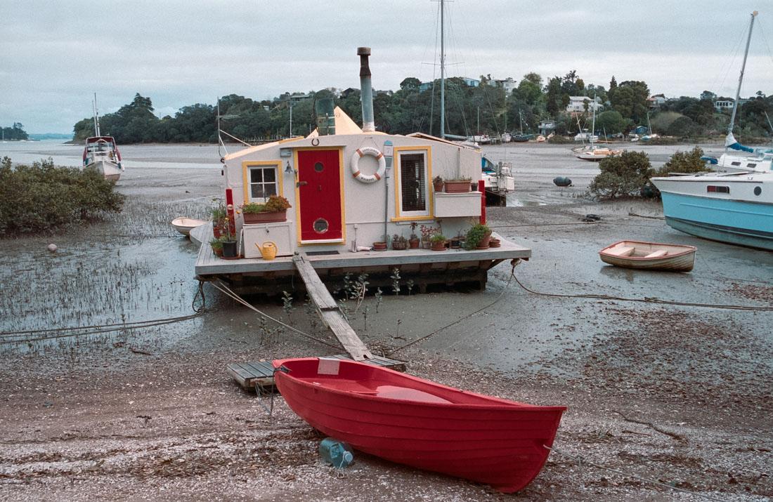 Houseboat | Nikon F3 | Nikkor 35mm f/2.8 Ai | Kodak Portra 400