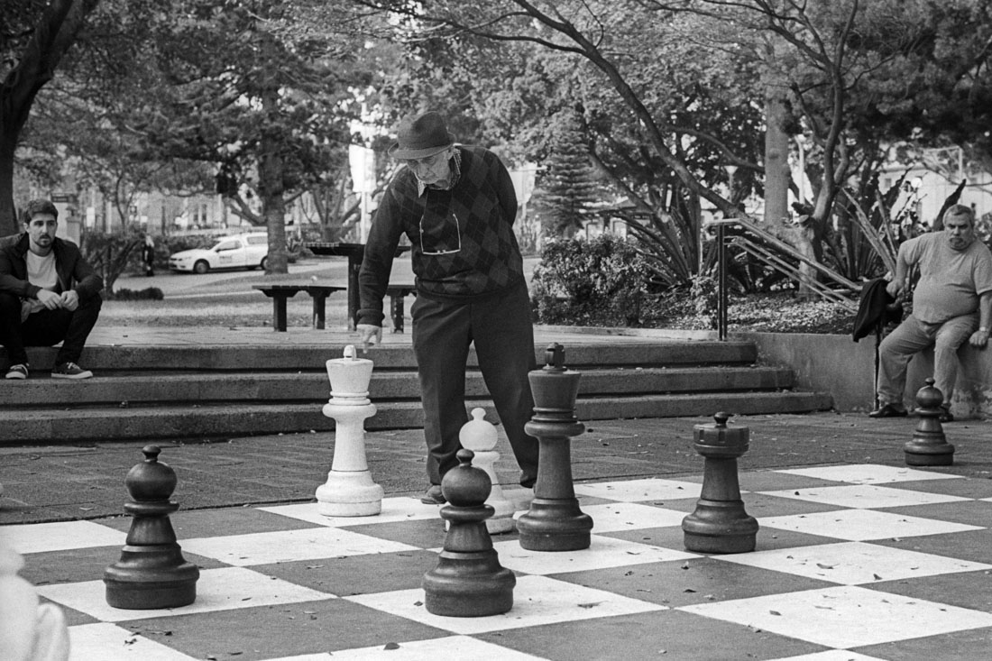 Next move | Leica M3 | Leitz Summicron 5cm f/2 DR | Kodak Tri-X