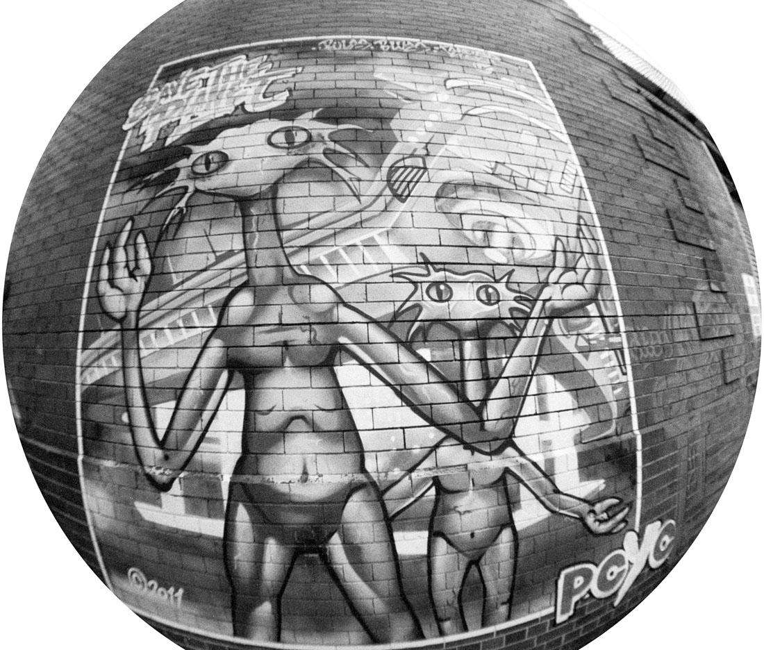 Alien graffiti | Lomography Fisheye 2 | Ilford HP5 Plus