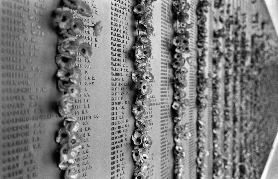 Memorial wall | Leica M2 | Carl Zeiss Biogon 35mm f/2 | Ilford HP5 Plus