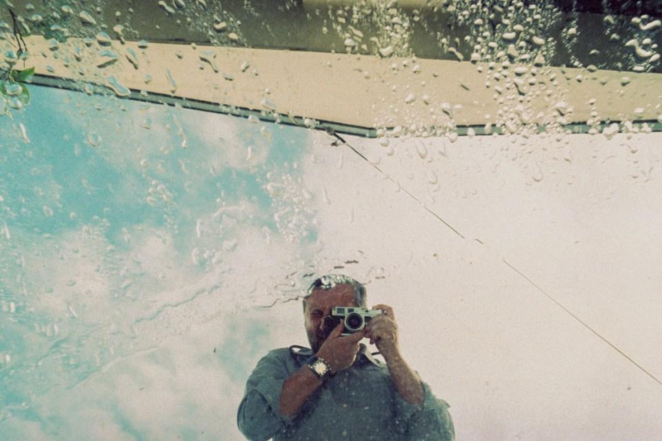 Wet mirror selfie | Leica M2 | Carl Zeiss Biogon 35mm f/2 | FPP Retro Chrome 320