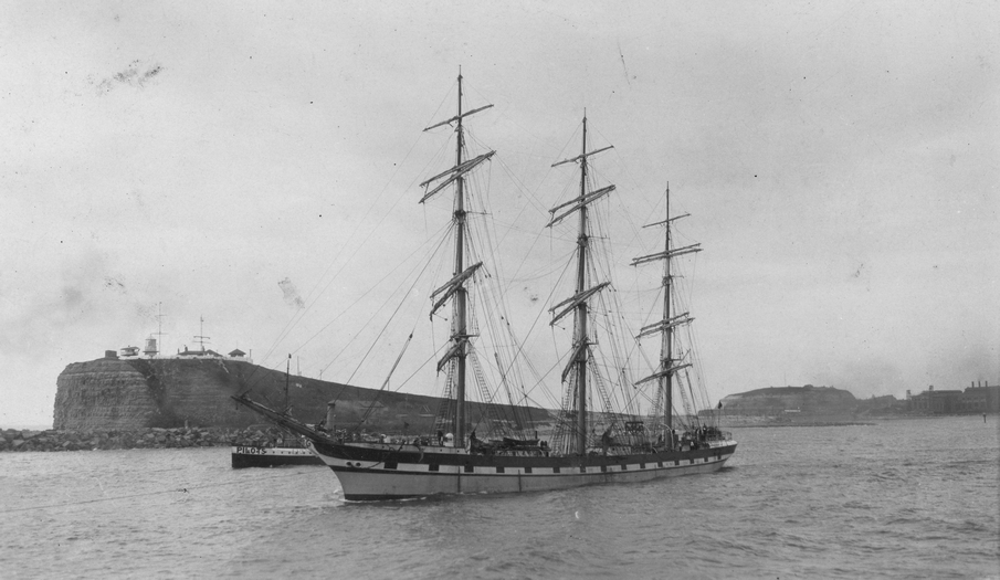 A cavalcade of Newcastle shipping