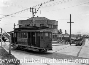Tram at the Merewether line tram terminus, Newcastle, NSW, showing the Beach Hotel, February 6, 1947. (2)