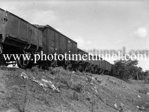 Loading duff coal at Neath, NSW, May 9, 1940. (4)