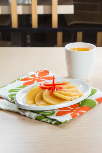 【前菜小食醃漬蘿蔔】專業食物攝影師的圖片庫