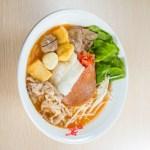【竹笙午餐肉及什錦拼盤米線】的圖庫相片