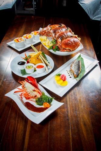 【龍蝦青魚麵包蟹及海南雞等食物拼盤】比自己拍攝更便宜的食物相片方案