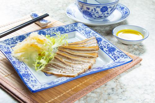 【中式餐前涼拌小吃切片鹵水豬耳】的餐飲業界向產品