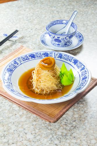 【豪華中菜紅燒鮑魚乾撈麵】印刷級的美食相