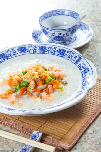 【鮮蝦瑤柱雜菜粥】的餐飲業界向產品