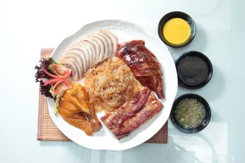 【叉燒燒鵝髀油雞海蜇燻蹄燒味鹵水拼盤】可以下載的食物相