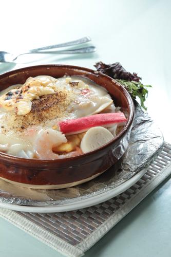 【海鮮蟹柳大蝦白汁焗飯】大量美味畫像盡情用