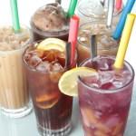 【一整排茶餐廳特色凍飲大合照】的圖庫相片