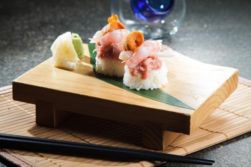【海膽甜蝦吞拿魚茸創作壽司】給餐館的好用素材