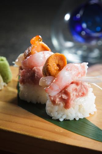 【海膽甜蝦吞拿魚茸創作壽司】下載即用超方便餐牌相片