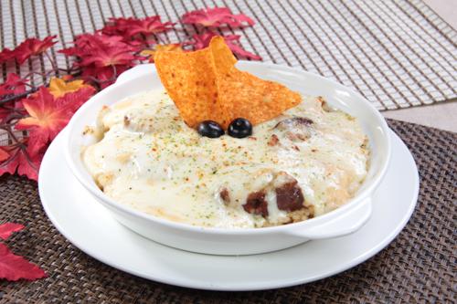 チーズとホワイトソースの焼きビーフライス