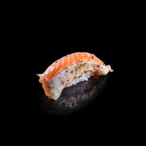 鮭の黒胡椒味付け寿司の切抜き画像・食べ物写真素材・商用ダウンロード可