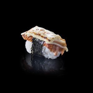 火炙芝士鰻魚壽司 黑色背景倒影版本的去背退地食物素材相片