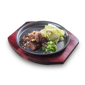 【平底鍋煎牛肉塊】講究可以令你的餐牌更美觀