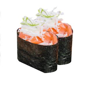 三文魚洋蔥軍艦壽司兩件的去背退地食物素材相片