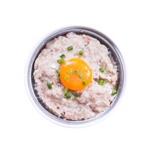 原盅鹹蛋肉餅蒸飯的去背退地食物素材相片