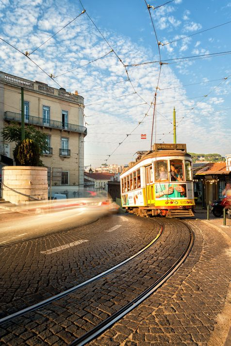 The Tram | Lissabon | © Timo Zilz