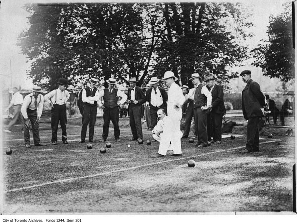 Title: Lawn bowling; Date(s) of creation of record(s): [1908?]. City of Toronto Archives; Fonds 1244, Item 201