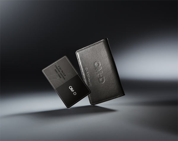 Olympus: owner's card and premium card case
