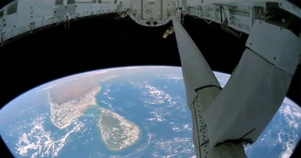 UrtheCast cameras were mounted on the satellite platform to capture images of earth : Image extracted from video above