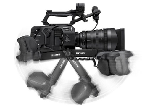 Sony FS7 II: A knob enables you to quickly extend the telescoping arm, as shown on the left. Release the joint knob to quickly pivot the arm to the most comfortable position, as shown on the right, for waist-level shooting.