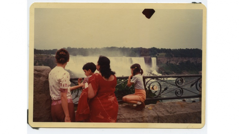 Barbara with her kids Naina and Arjun, and grandma (daddi) Indira, who is visiting from India. Anil Dewan, Niagara Falls. Dye coupler print, August 1980, 9 cm x 12.4 cm. Courtesy of Deepali Dewan.