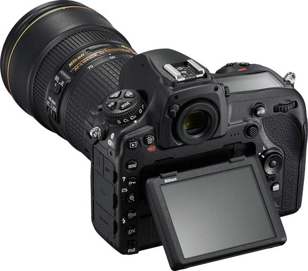 Nikon D850: Tilting LCD Touchscreen