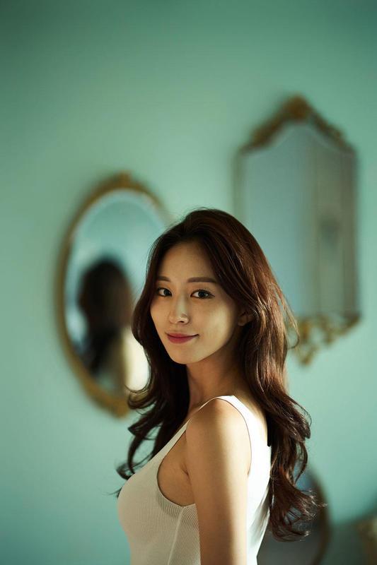 Leica Noctilux-M 75 mm f/1.25 ASPH.: Photographer is JoongSeok Oh, Korea