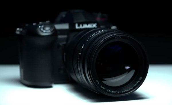 Panasonic: LEICA DG VARIO-SUMMILUX 10-25mm / F1.7 with Lumix S1