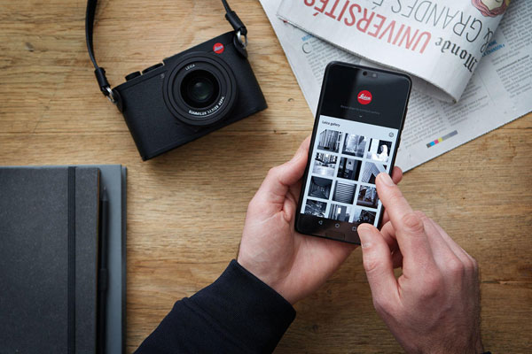 Leica Q2: Stay connected With the new Leica FOTOS App. Energy-saving Bluetooth connectivity for fast, wireless connection.
