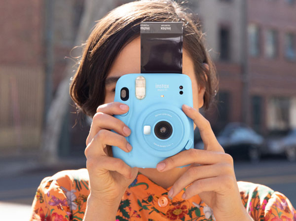 Fujifilm INSTAX Mini 11, Sky Blue: Image Courtesy of Fujifilm