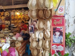 Straw_hat_shop_phuket_townJPG (6)