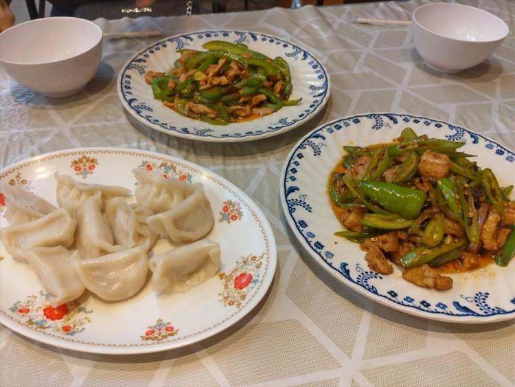 890 RESTAURANT / パトンビーチのローカル中華料理店