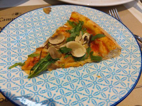 Pizza Groviglio / モッツァ バイ ココット ( Mozza by Cocotte ) / パトンビーチのイタリアンレストラン