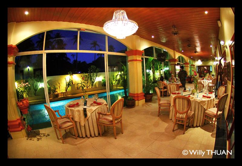 royale-nam-tok-restaurant-phuket