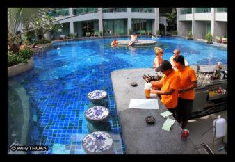 the-kee-resort-pool-bar