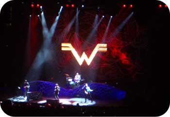 weezer concert with foo fighters