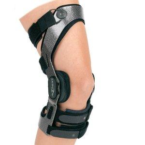 Donjoy Armor with Fourcepoint Knee Brace - ACL