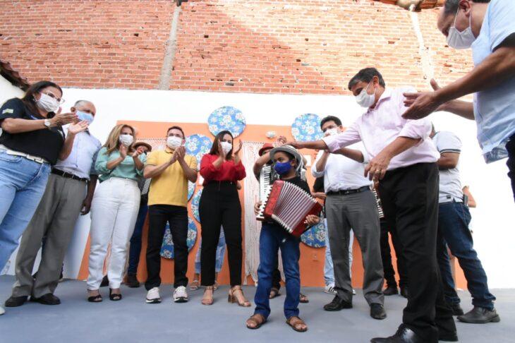 agenda em SRN cultura 3 Governador entrega títulos de posse a famílias de São Raimundo Nonato