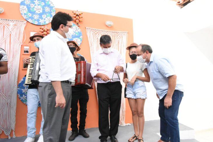 agenda em SRN cultura 5 Governador entrega títulos de posse a famílias de São Raimundo Nonato