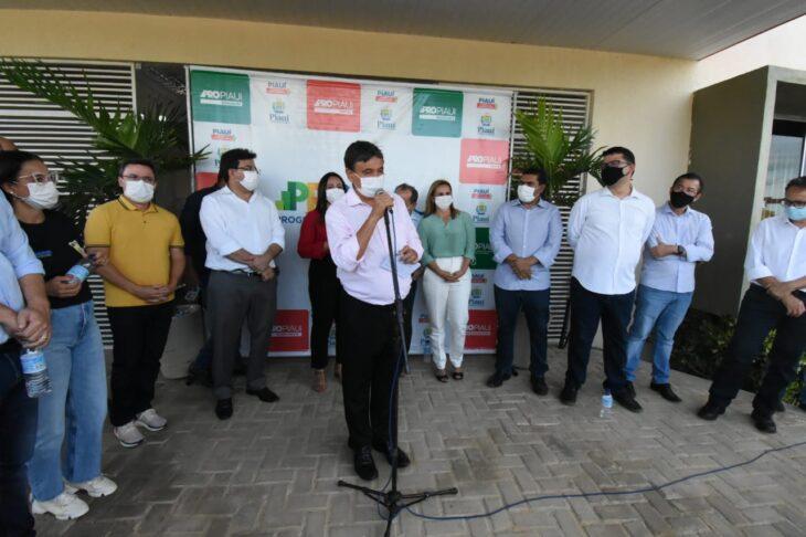 agenda em srn discursos 9 Governador entrega títulos de posse a famílias de São Raimundo Nonato
