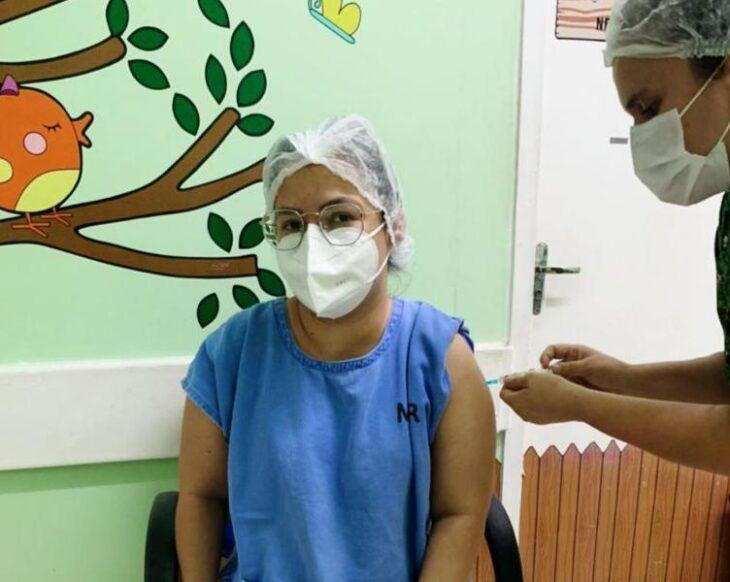 d6ca58f6 4f37 4a46 9f5f b093390f7990 Maternidade Evangelina Rosa recebe vacina contra Covid para imunizar grupos prioritários